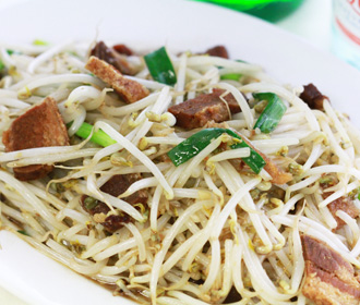 Bean Sprouts and Thai Crispy Pork