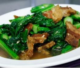 Chinese Broccoli and Thai Crispy Pork